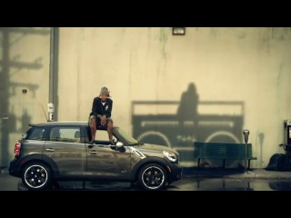 Gym Class Heroes- Stereo Hearts ft. Adam Levine [OFFICIAL VIDEO]